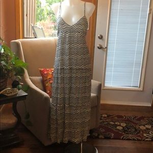 Billabong maxi dress NWT size large